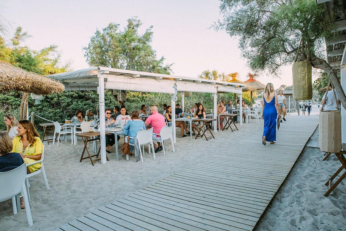 'Ponderosa Beach' se define más como un 'bistrot' que como un chiringuito playero. Foto: Facebook.