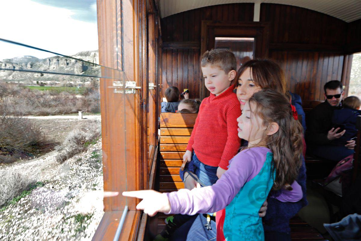 Niños y mayores disfrutan a lo grande del recorrido.