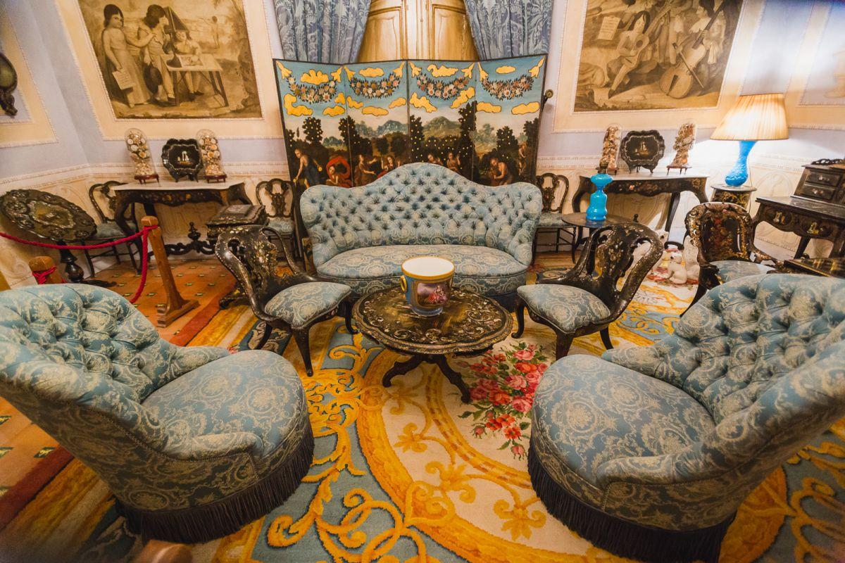 Desde este salón se accede a las estancias privadas de la marquesa.