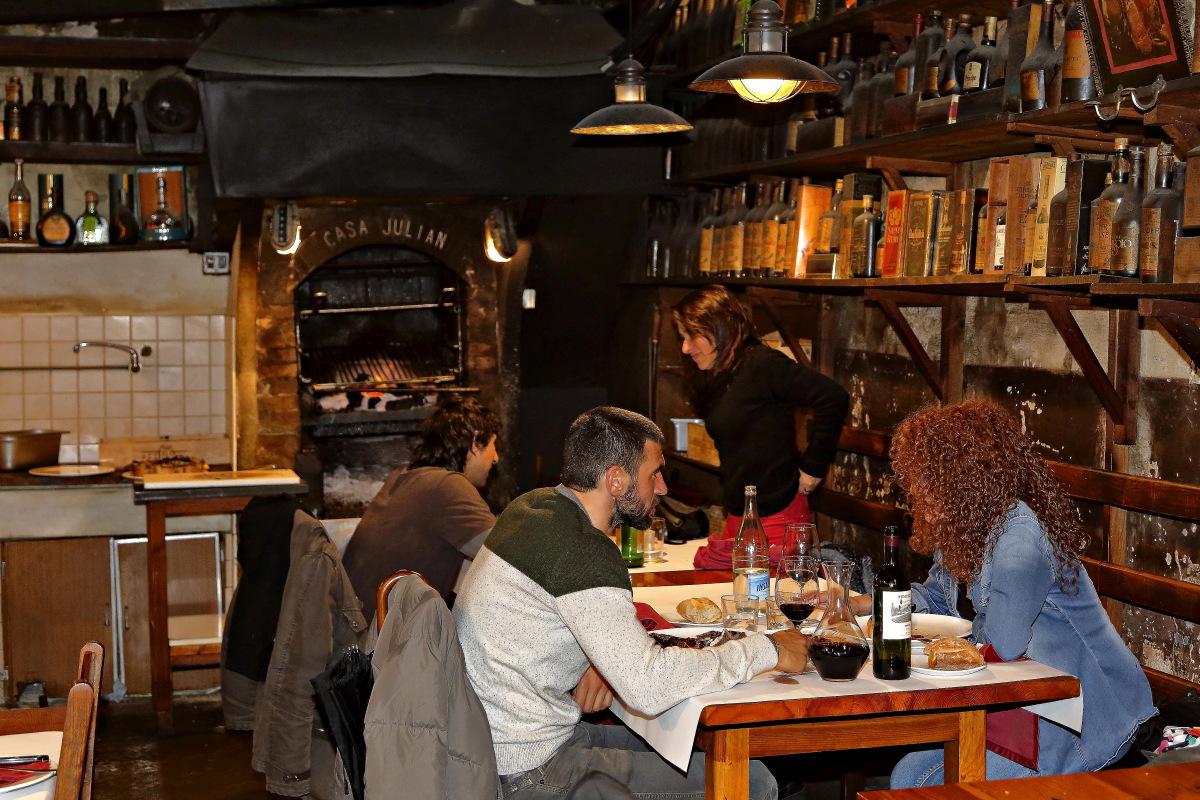 Ambiente en el restaurante 'Casa Julián'.
