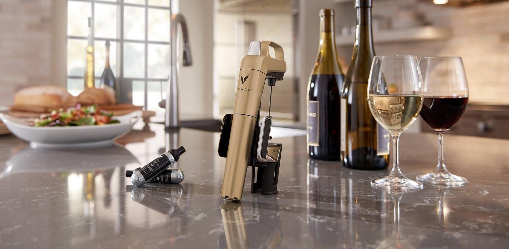 Ya es posible servir una copa de vino sin abrir la botella. Foto: Corvin.