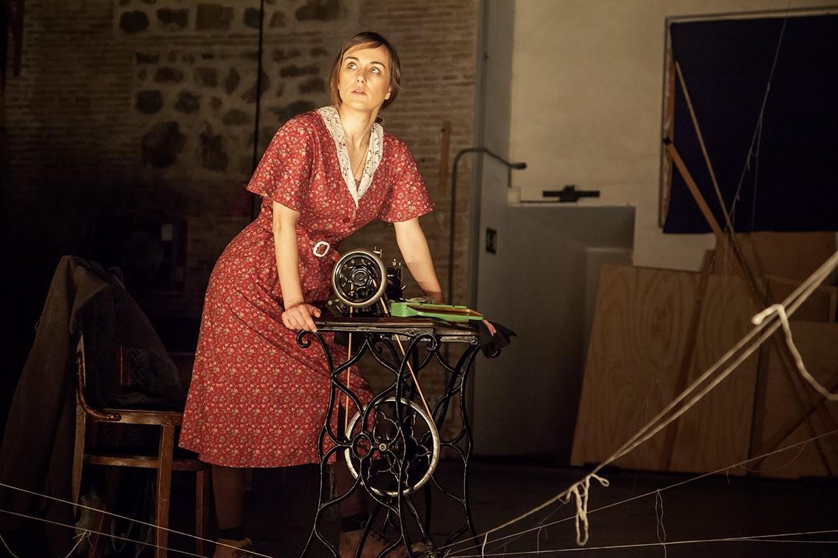 Laura Toledo protagoniza la versión teatral de la novela 'La voz dormida'. Foto: Teatro Bellas Artes de Madrid.