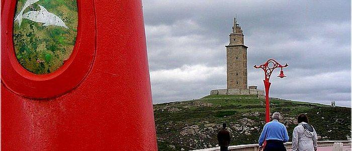 Las características farolas del paseo marítimo de A Coruña / Flickr José Luis Cernadas Iglesias.