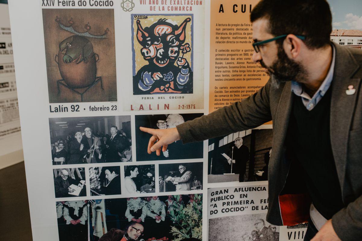 Carteles de la Feria del Cocido que arranca en Lalín en breve y que cumple medio siglo de existencia.