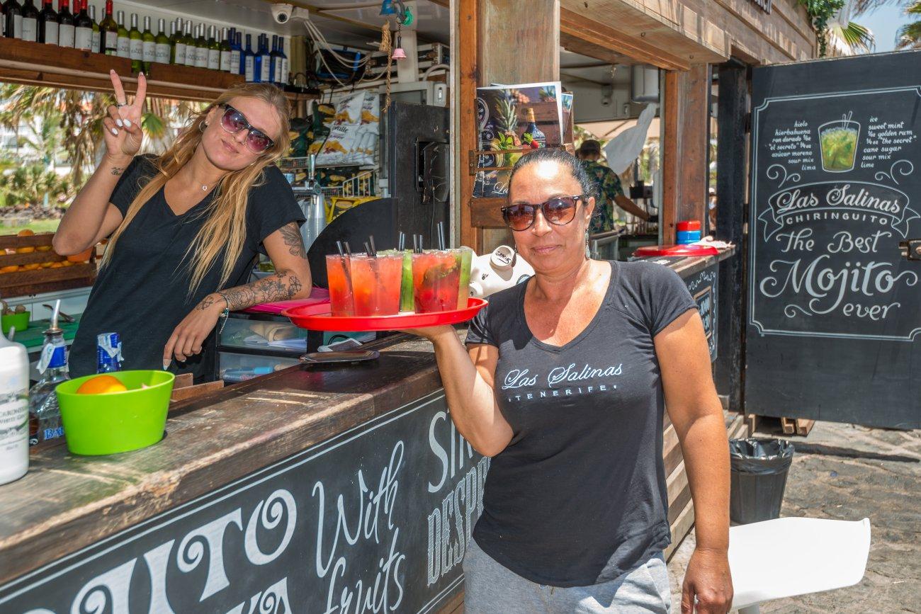 'Las Salinas' (Playa de Las Américas): camareras