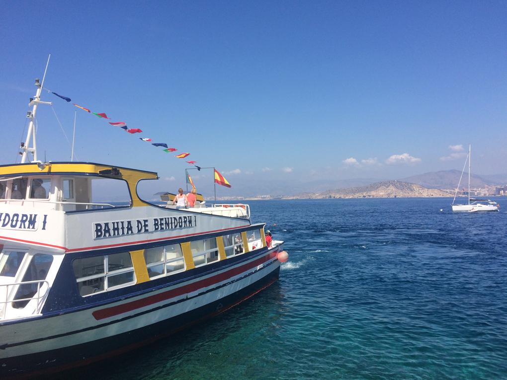 De camino a la Isla de Benidorm. Foto: Johanna Saldón.