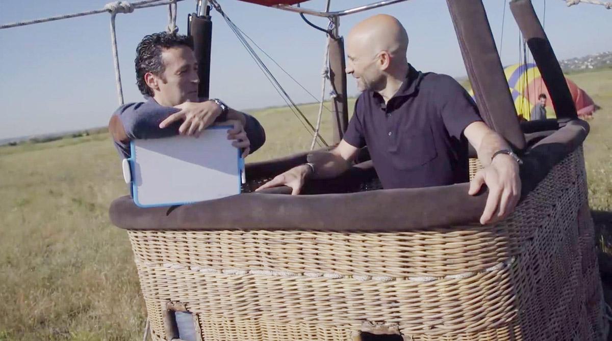 Jacob junto a Antonio Lobato, a punto de emprender una aventura. Foto: Facebook.