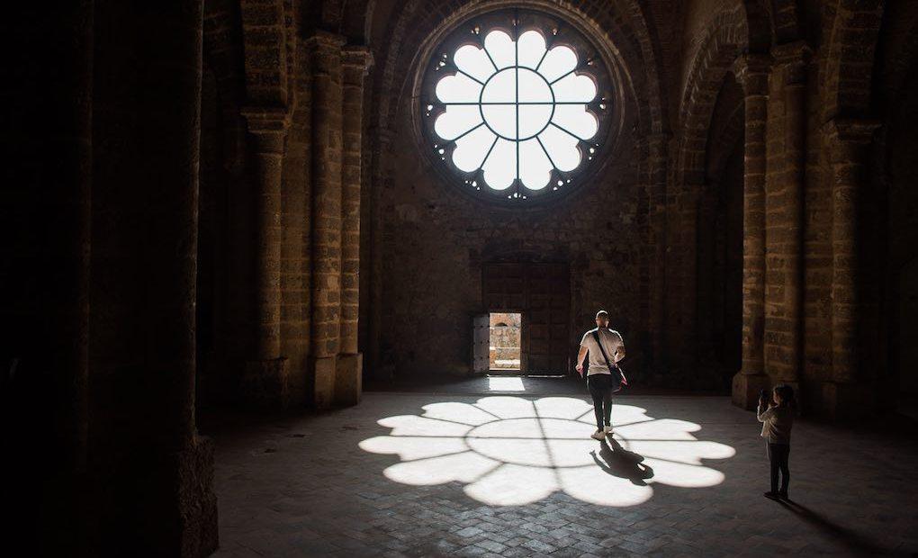 En el interior de la iglesia de Calatrava La Nueva.