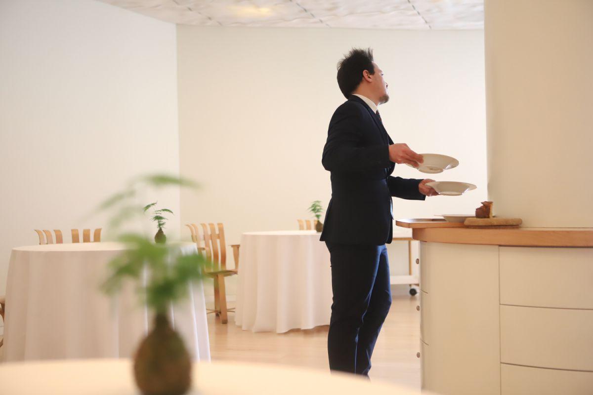 El servicio en sala del restaurante Nerua, Bilbao.