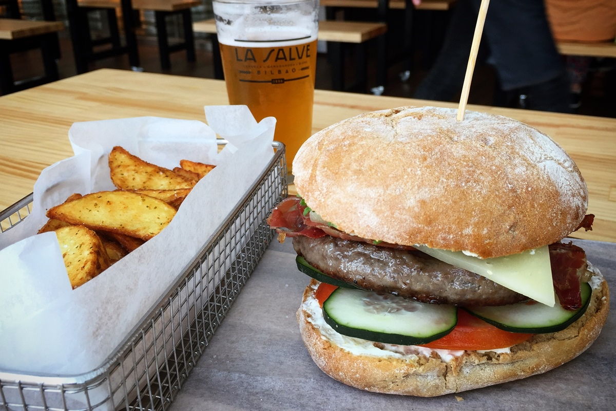 La Salve - hamburguesa para acompañar la cerveza o viceversa