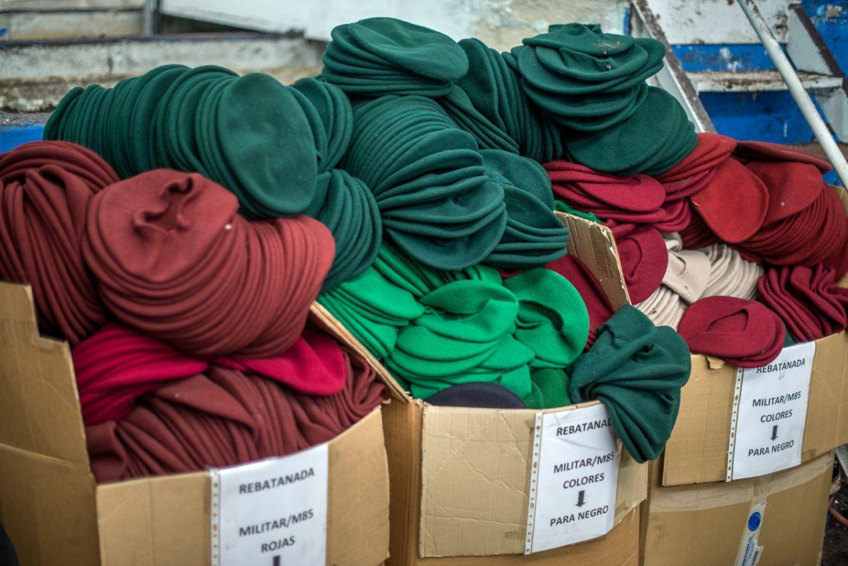 Boinas preparadas para exportar en Boinas Elósegui.