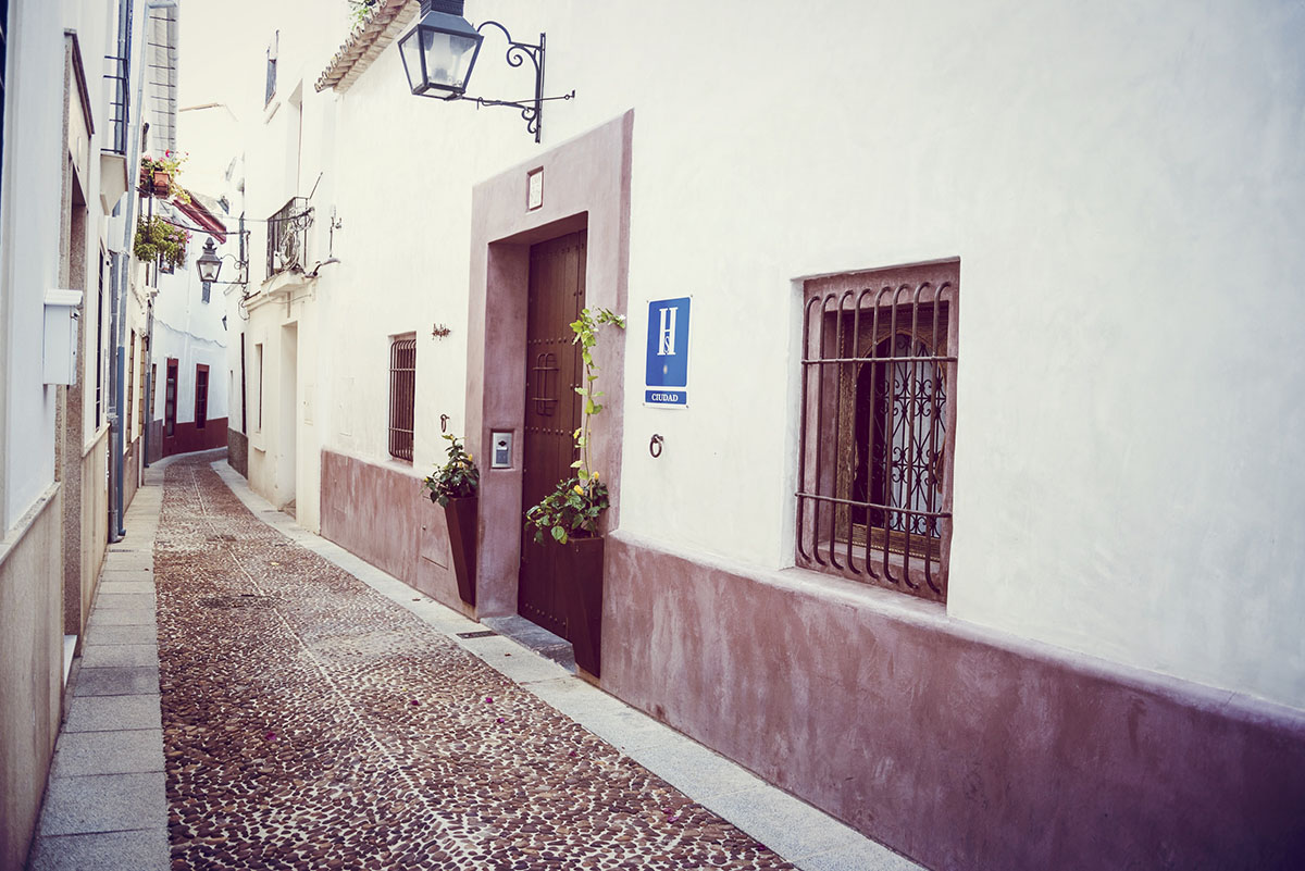 La callecita cordobesa que lleva al hotel. /Foto: Patio del Posadero