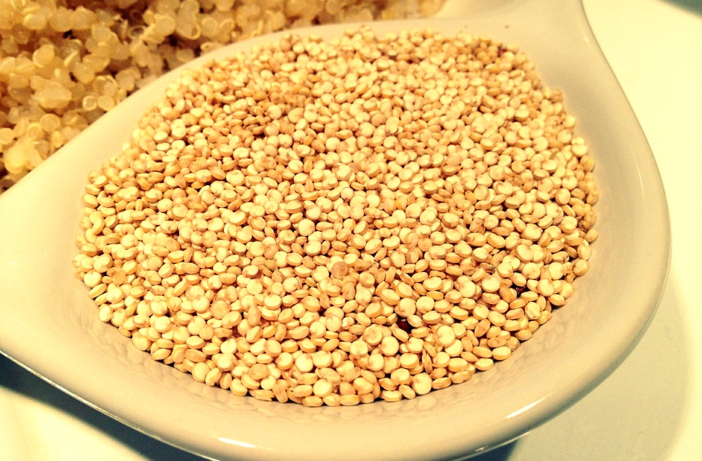Quinua, famoso y saludable pseudocereal peruano. Foto. Pixabay.