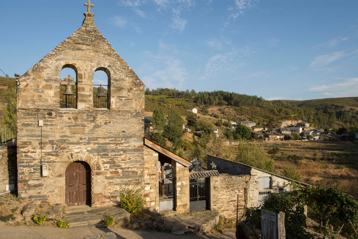 Iglesia de Riohonor de Castilla, la parte española. Foto: Manuel Ruiz Toribio