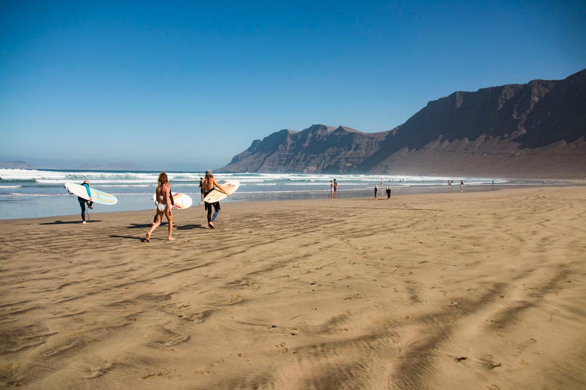 De este año no pasa que aprendas a surfear (en Lanzarote). Foto: Javier Sáenz.