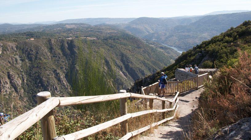 Los cañones del Sil en todo su esplendor. Foto: Turismo de Ribeira Sacra.