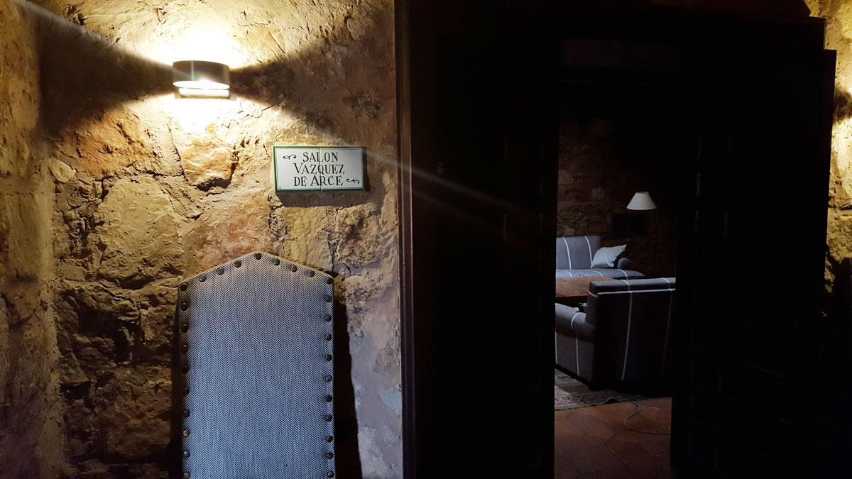 El pequeño y acogedor salón Vázquez de Arce.