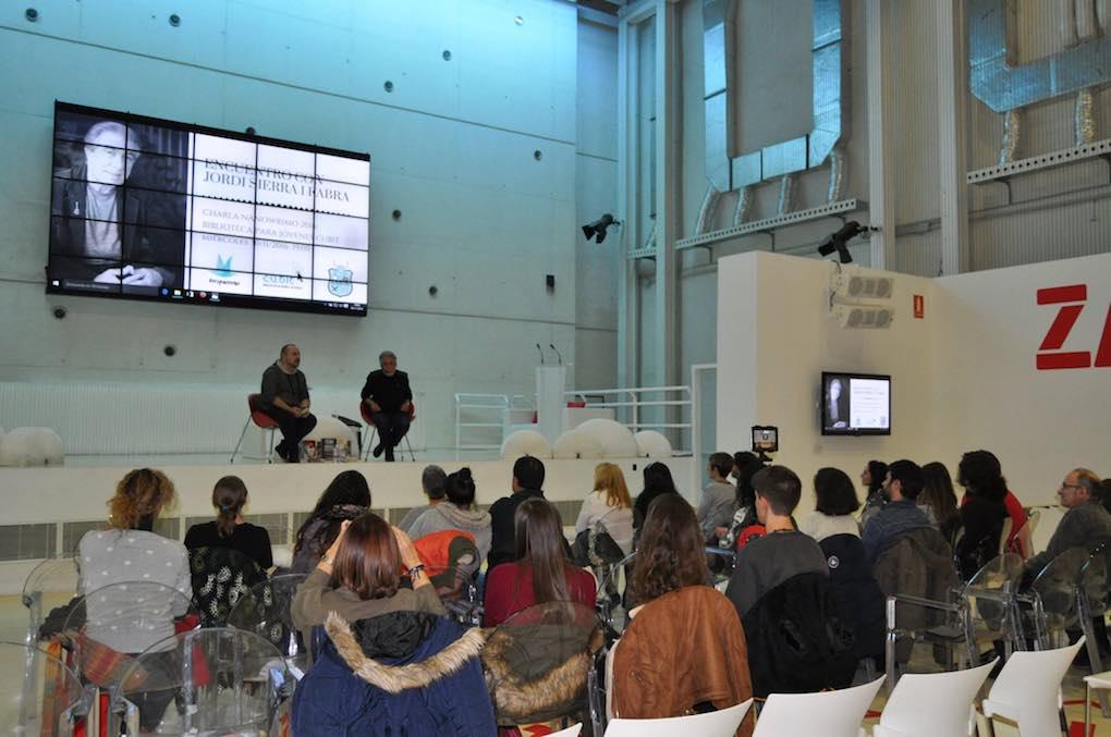 Durante los Encuentros con Jordi Serra I Fabra. Foto: Facebook.