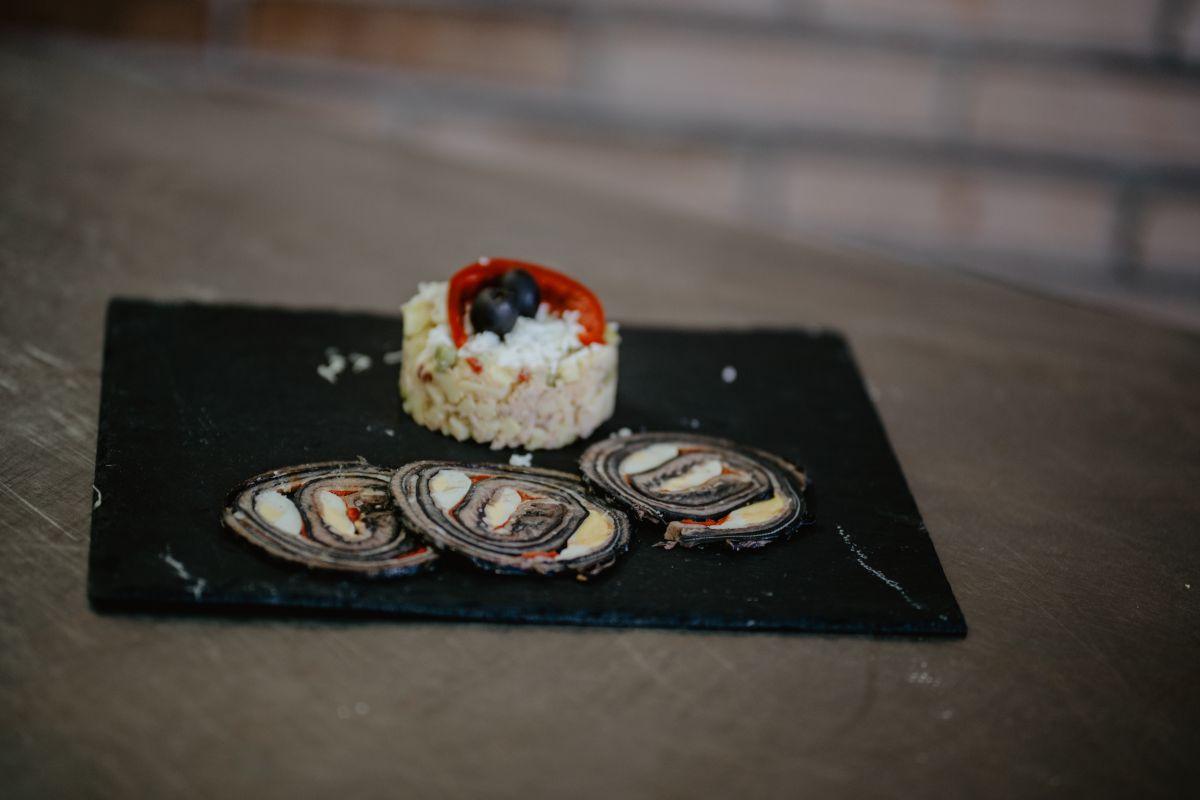Plato de lamprea del restaurante 'Os Pirús'.