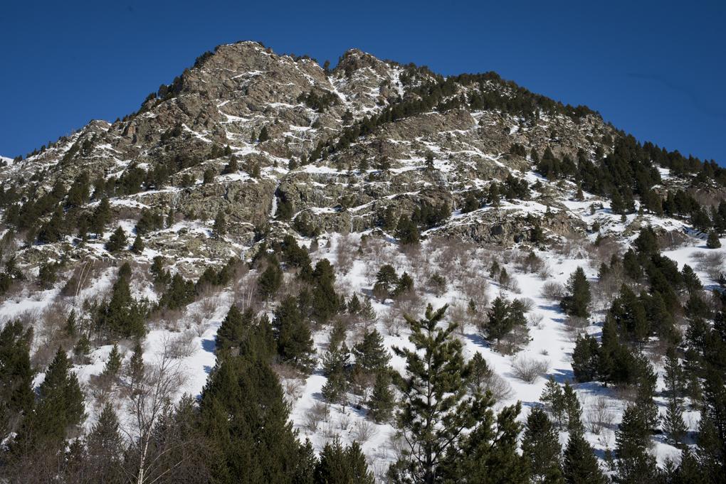 El lado de La Vall de Boí para acceder a Aigüestortes es muy escarpado.