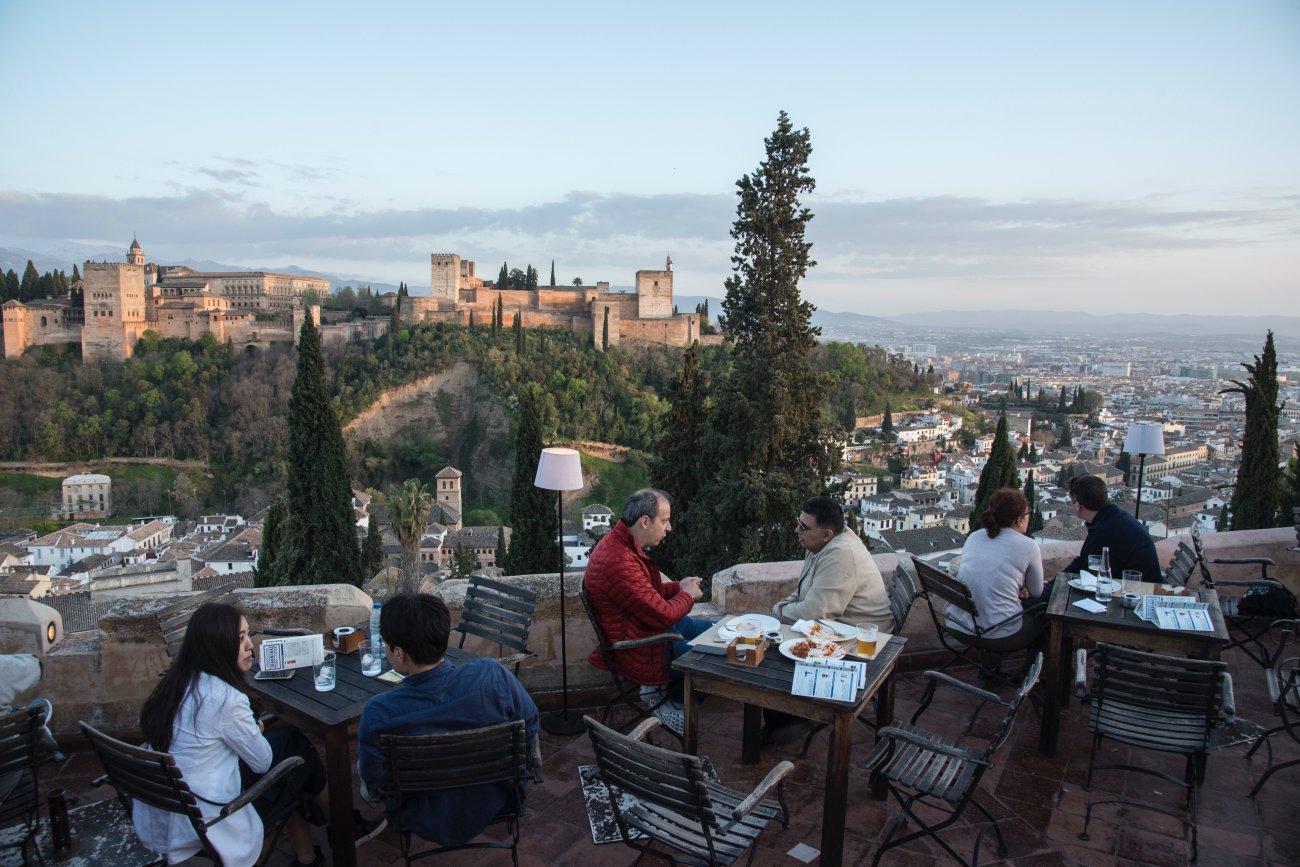 La Alhambra desde el Albaicín al atardecer
