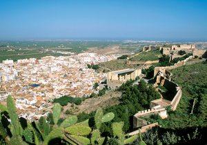Perspectiva del castillo de Sagunto.