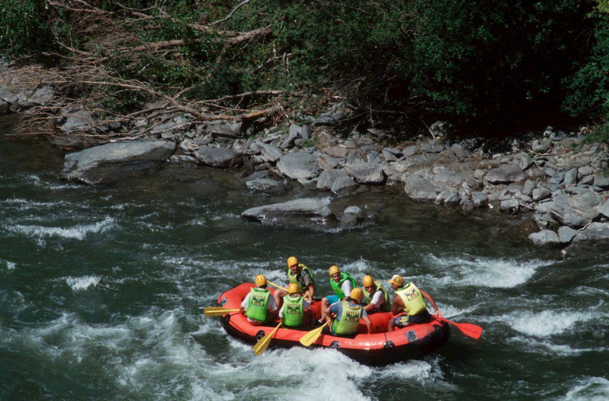 El Noguera Pallaresa es la universidad del 'rafting' de nuestro país. Foto: Agestock.
