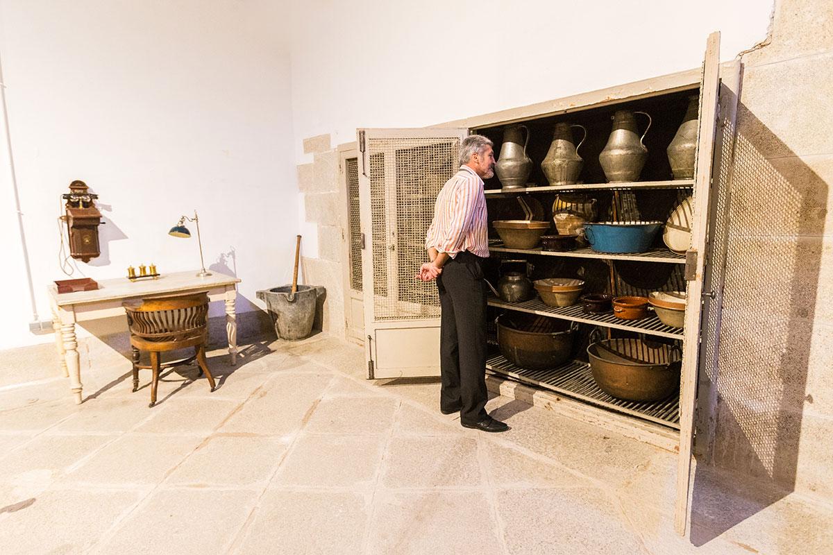 Cocinas Palacio Real: Armario de una de las estancias. Foto: Máximo García
