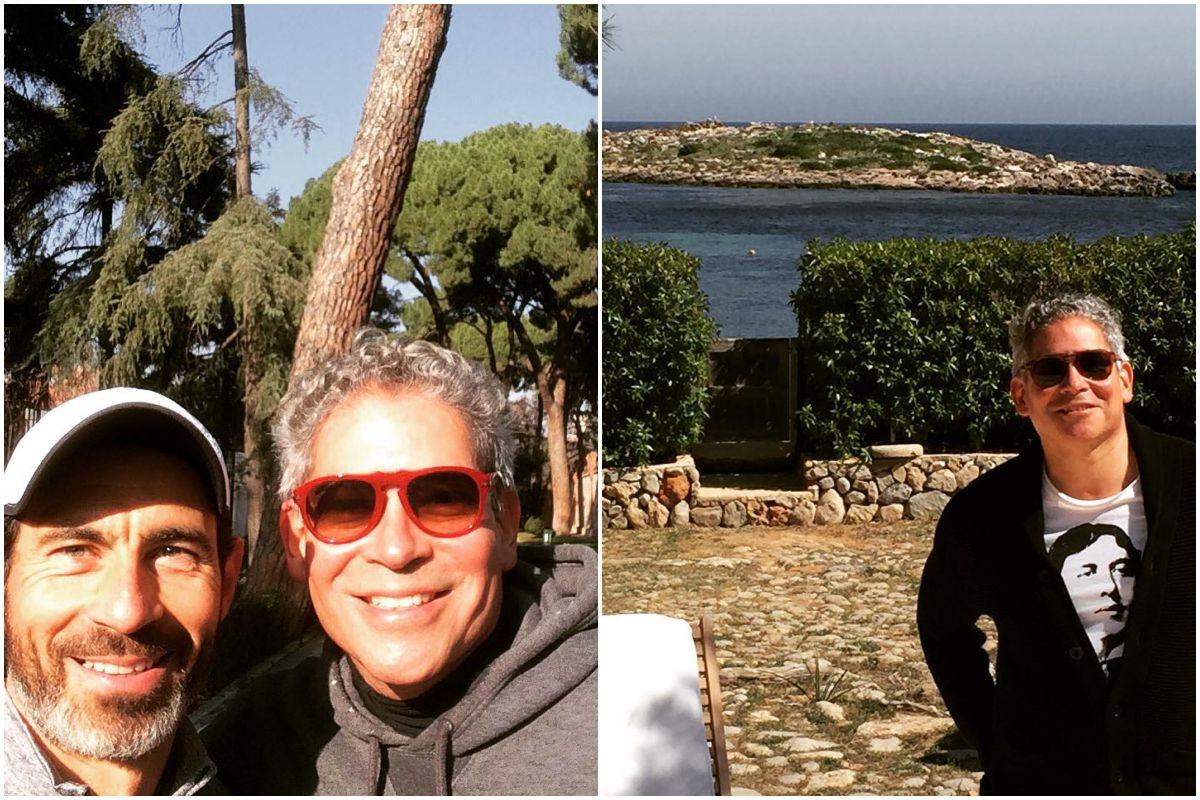 Boris Izaguirre en El Retiro con un amigo y disfrutando de Ibiza. Fotos: Instagram.