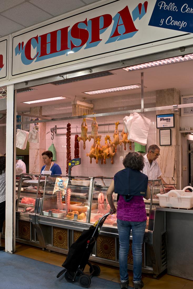 En 'Chispa' el despiece y las distintas preparaciones de la carne son de elaboración propia.