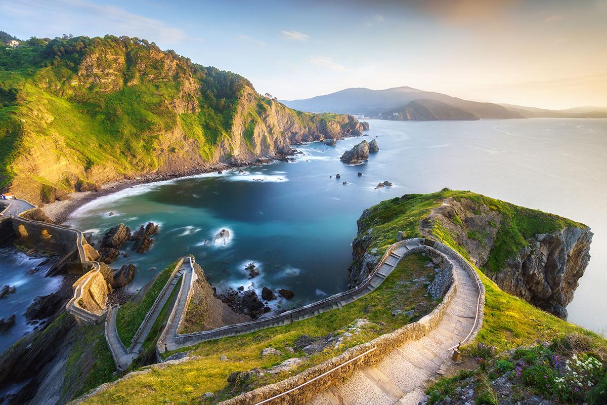 241 peldaños para alcanzar la ermita de San Juan. Foto: Shutterstock.
