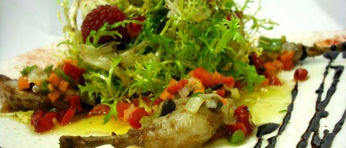 Ensalada de escarola friseè, restaurante Saboya.