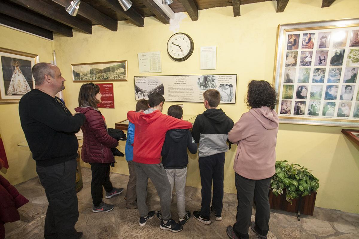 Museo de las Amas de Cría. Selaa. Cantabria. El museo abre en verano, en invierno para los grupos.