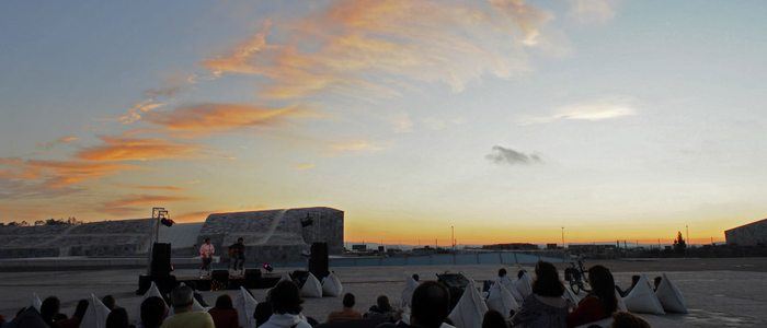 En la explanada de la Cidade da cultura también se hacen conciertos al atardecer / Flickr Teterocamonde