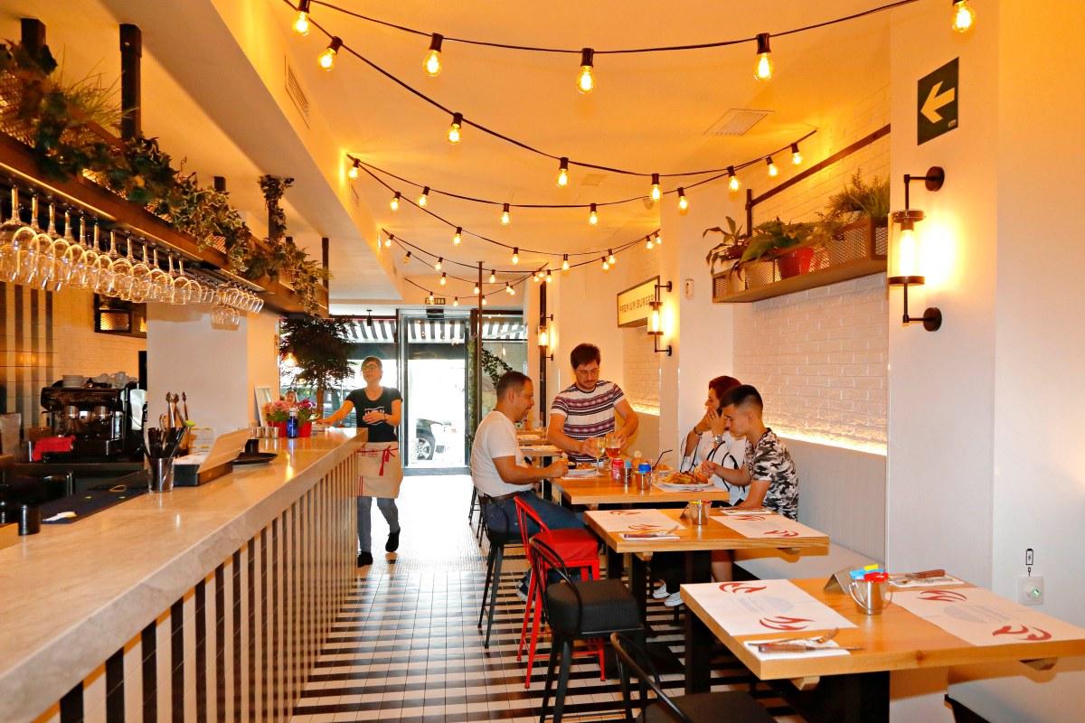 El local –de dos plantas– se encuentra en la calle San Bernardo de Madrid.