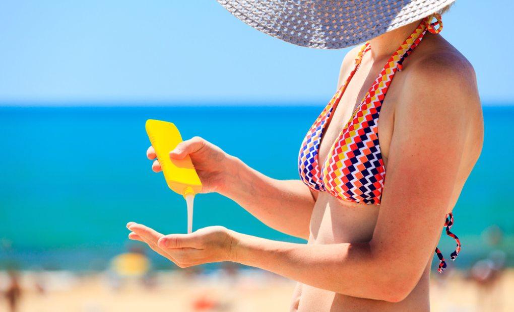 Es imprescindible un buen fotoprotector. Foto: Shutterstock.