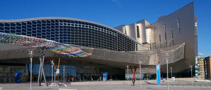Palacio de Congresos y Ferias de Málaga / Flickr Karlis Dambrans.