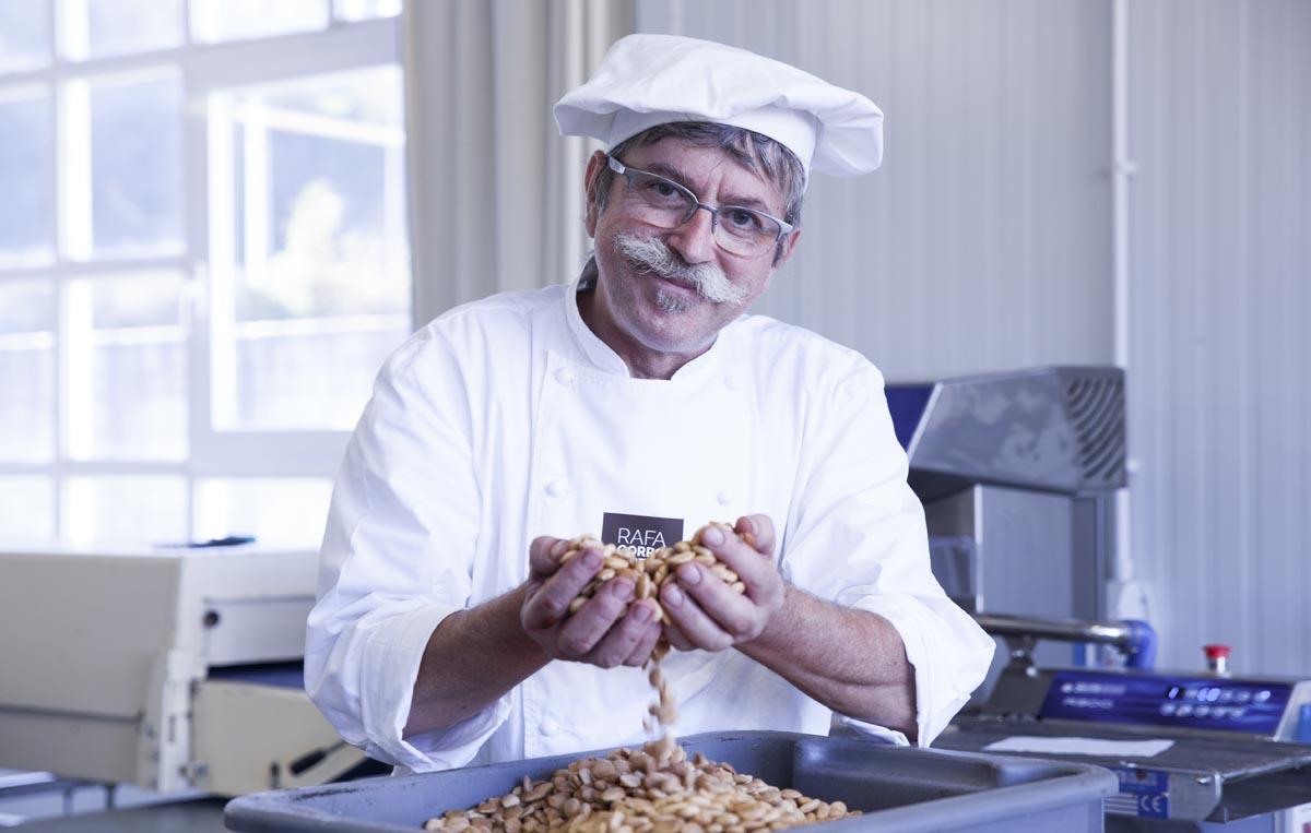 Rafa Gorrotxategi, el artífice de estos deliciosos turrones.