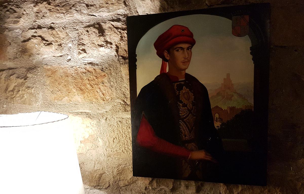 Retrato del condestable Iranzo, en el salón principal del Parador.