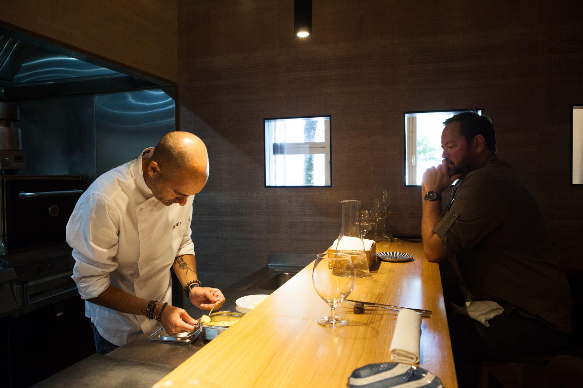 Restaurante 'Maruja Limón': clientes en la barra