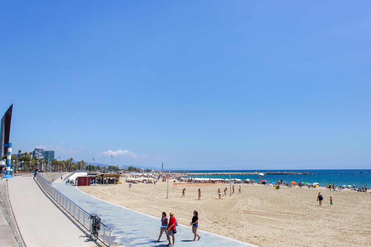 La Playa del Bogatell comenzó a disfrutar de su fama a partir de los Juegos Olímpicos de Barcelona 92.