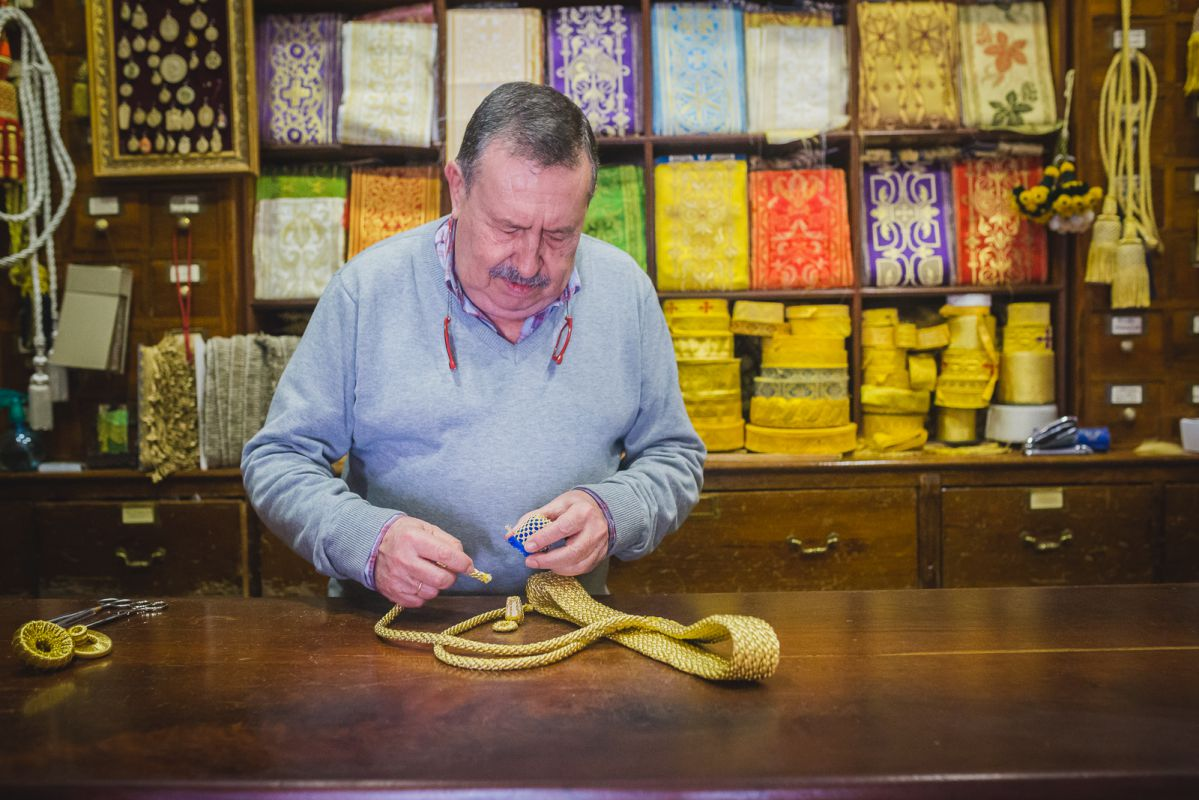 Javier Gotor, propietario de la tienda familiar más que centenaria 'Casa Rodríguez'.