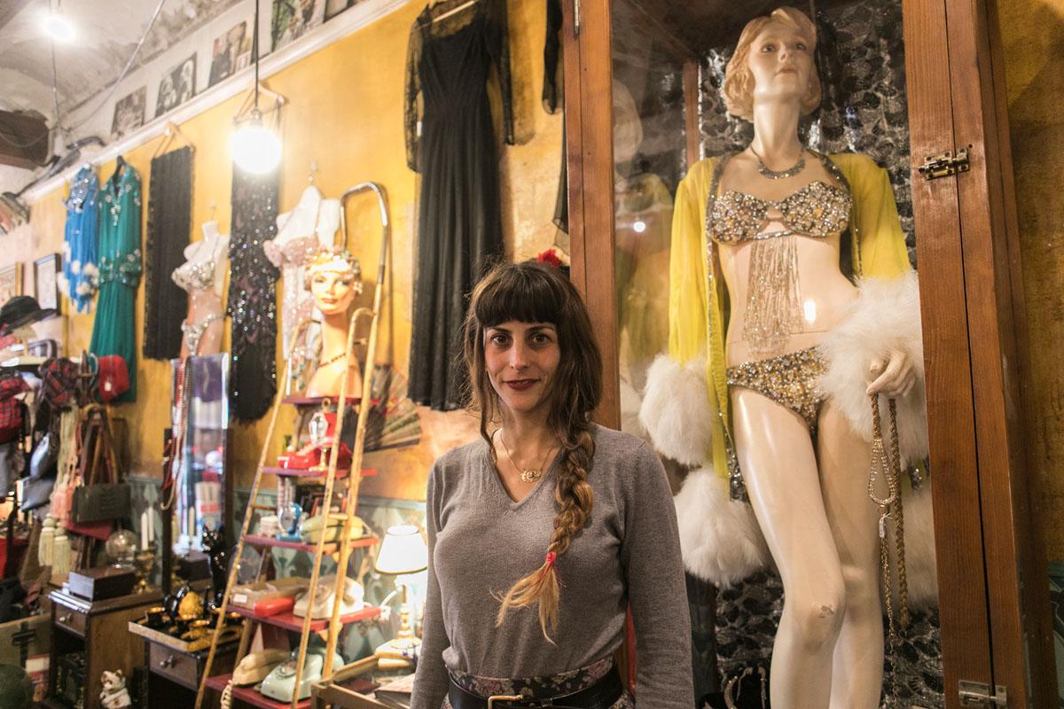 Madame Mim, una tienda llena de antigüedades para regalar.