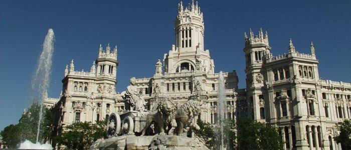 Plaza de Cibeles, emblema de Madrid y que da nombre a la cerveza de la capital.