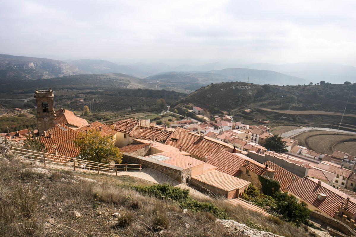Los tejados y el paisaje de Culla, en Alto Maestrazgo, Castellón. Foto: Eva Máñez