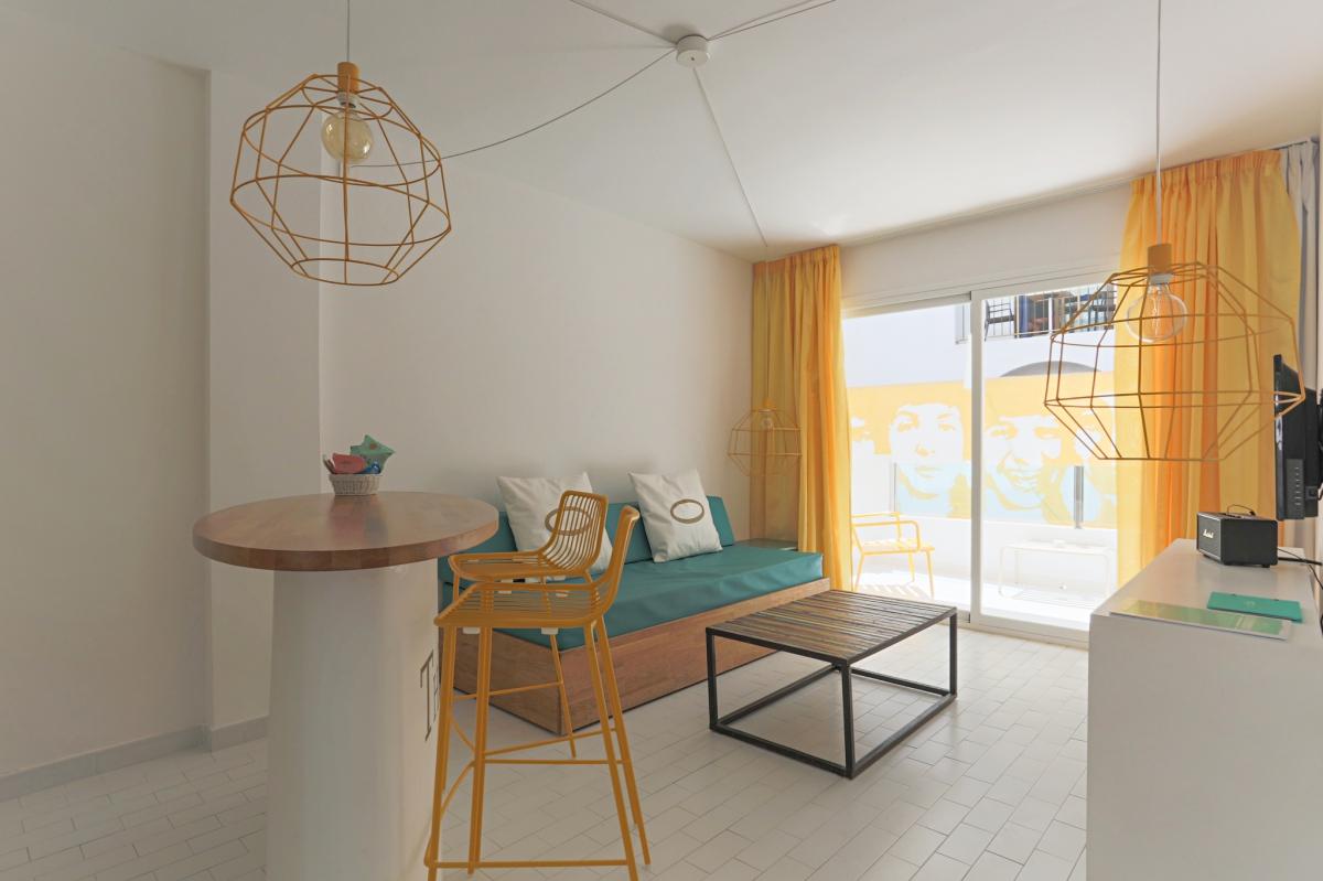 Habitación del hotel Santos (Ibiza).