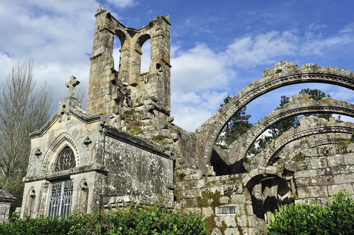 Las Ruinas de Santa Mariña Do Pozo, edificación del gótico marinero, en lo alto de Cambados. Foto: Shutterstock