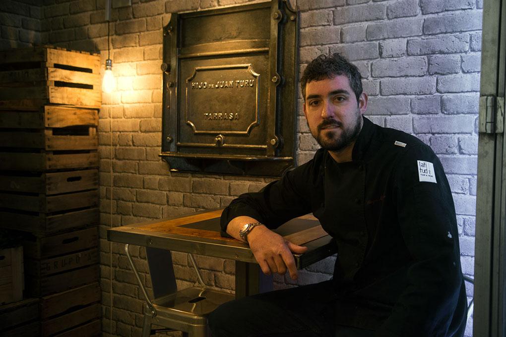 El chef manchego Diego Morales en su restaurante Latitud.