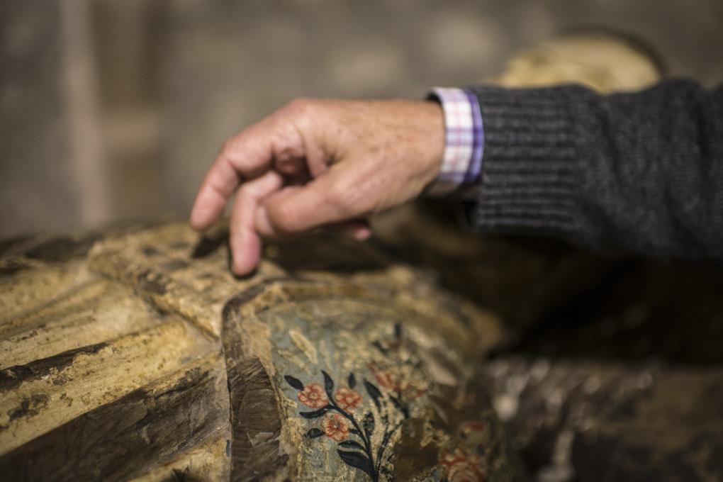 Durante siglos, la devoción por la talla del Santo llevó a los peregrinos a arrancar astillas. Devoción o admiración merecida.