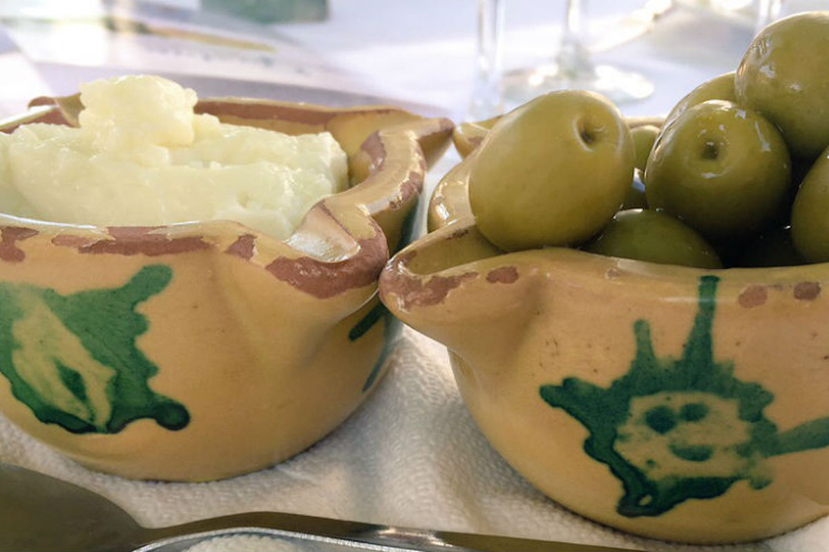 Alioli con olivas.